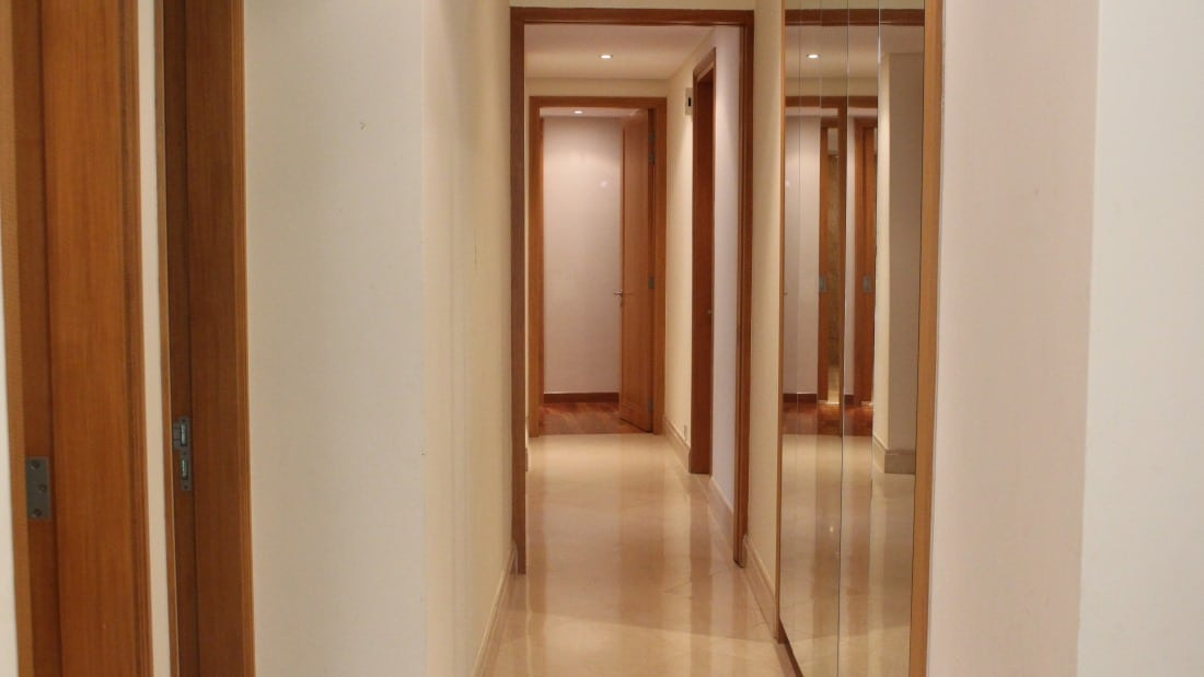 The Tomlinson - hallway