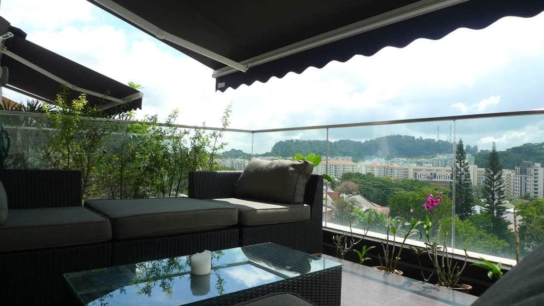 Hilloft - balcony